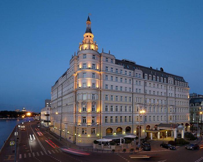 Терраса кафе в гостинице «Балчуг Кемпински», Москва