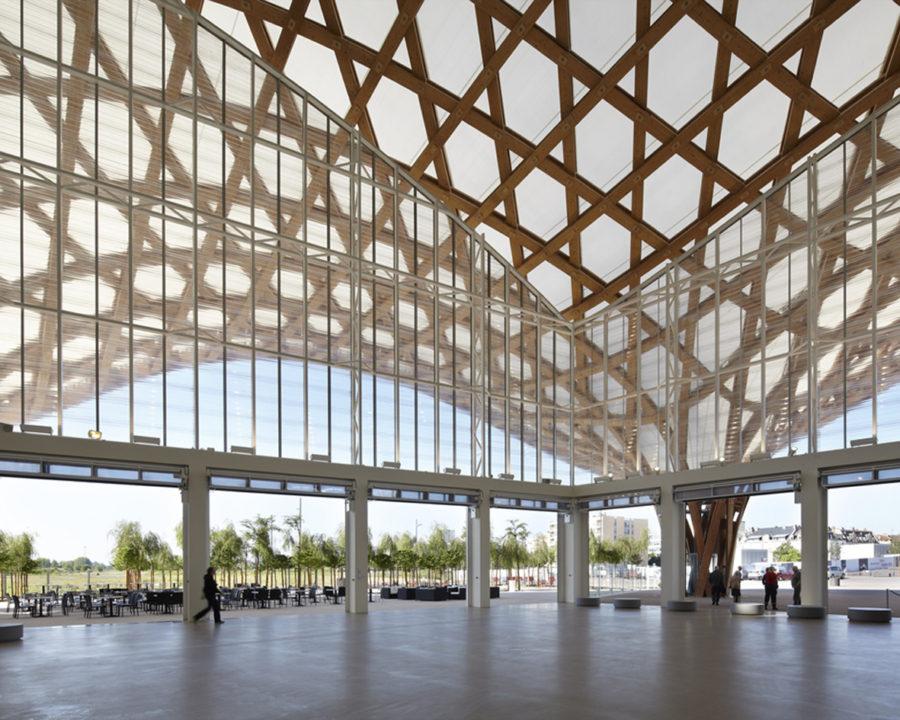 Регулируемая опора Бузон — выставочный центр Помпиду (Мец, Франция)