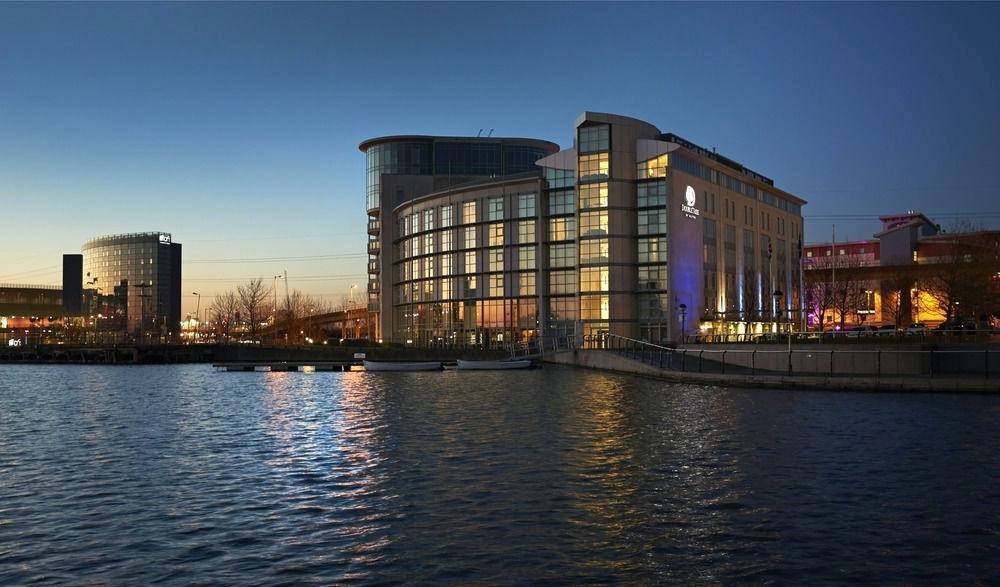Компания Buzon и строительство ExCel Exhibition Center & Aloft Hotel